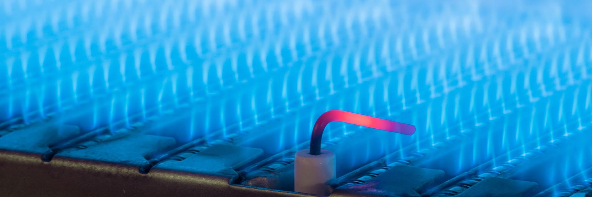 Controllo e stipula di contratti di fornitura di energia elettrica e gas naturale